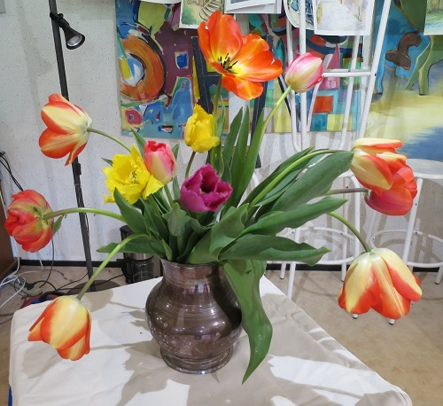 stage du 16 avril : travailler d'après un bouquet réel sur un fond aquarellé